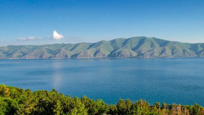Голубая лагуна Армении Озеро Севан