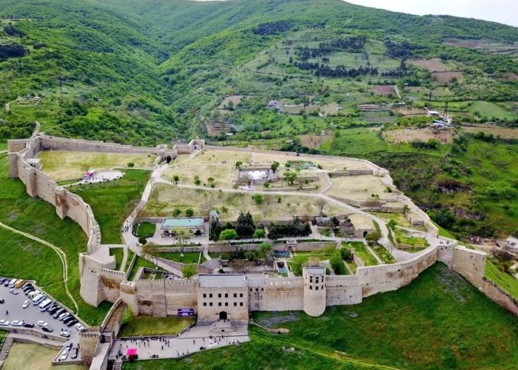 10 древних достопримечательностей Дербента