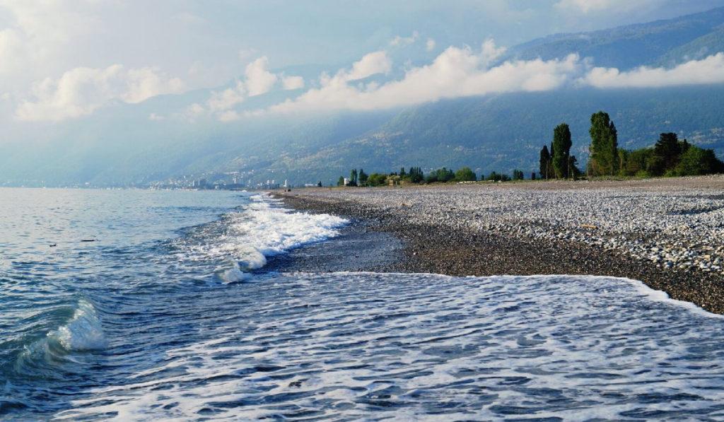7 лучших пляжей Абхазии