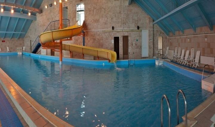 10 лучших отелей Подмосковья с бассейном